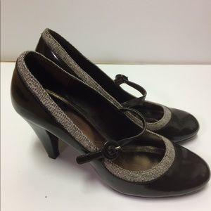 Brown tweed heels by Naturalizer size 8